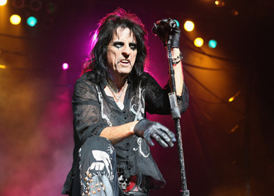 Alice-cooper-color-concert
